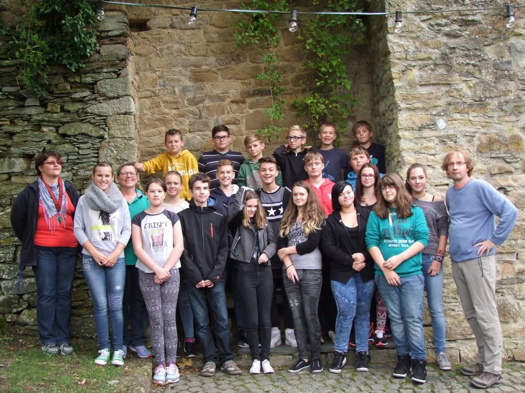 Konfirmanden-Gruppe 2015 2016 Schloß Dhaun